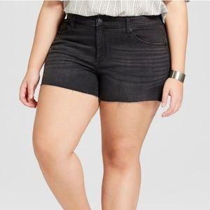 NWT Plus Universal Thread Midi Black Jean Shorts